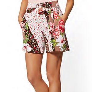 NWT New York & Company floral print Madie shorts